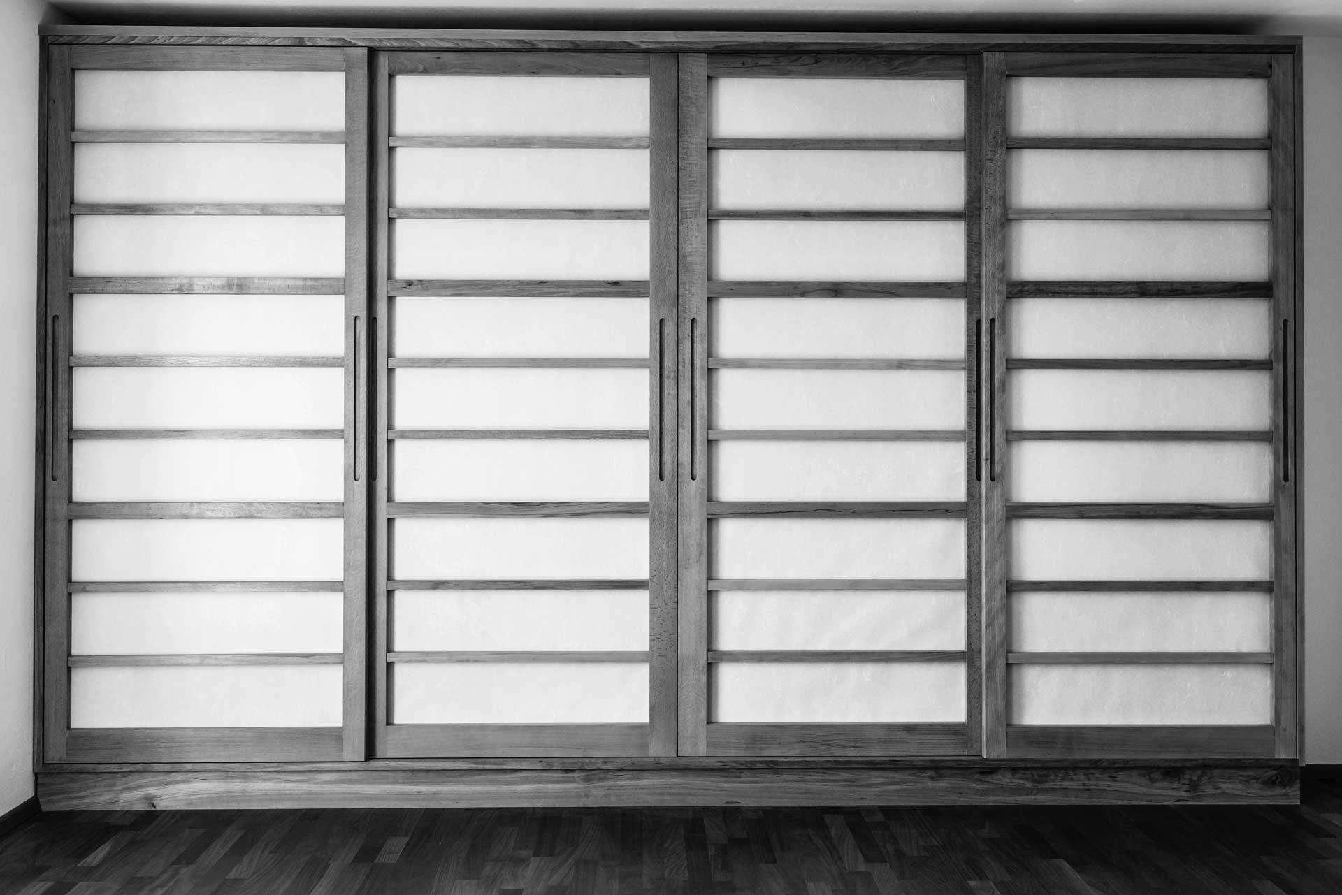 japanischer schrank japanisches wohnzimmer schn schrank mit bett yct projekte with japanischer. Black Bedroom Furniture Sets. Home Design Ideas