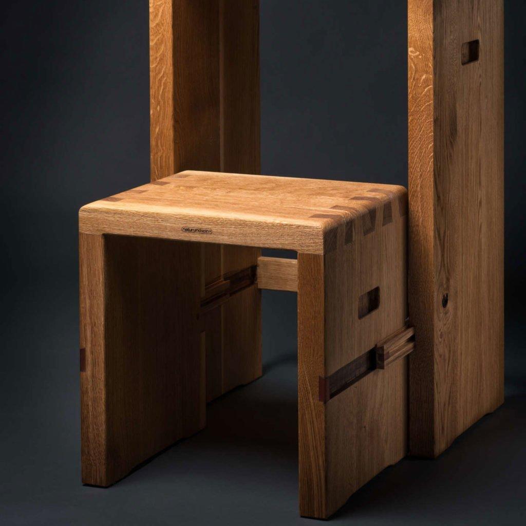 Trittleiter Hocker aus Eichenholz. Unikatmöbelstück.